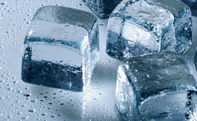 Berhati-hati dalam Mengkonsumsi Es Batu
