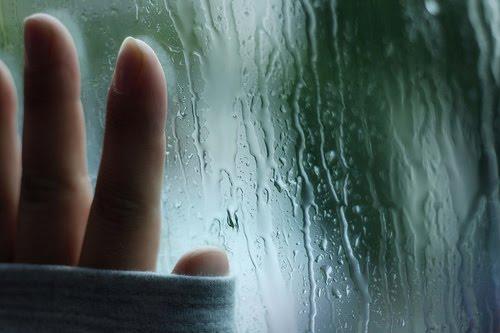 Sunyinya Magrib dan Gemericik Rintik Hujan
