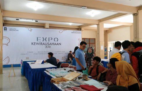 Expo Kewirausahaan : Lahan Praktik Mahasiswa Kelas Pengantar Bisnis
