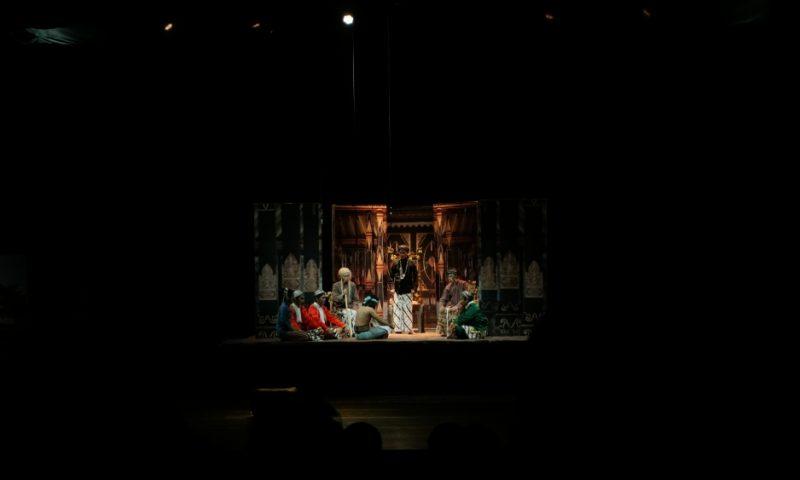 Teater Mangir dan Rahim Semesta : Zaman adalah Perputaran dengan Wajah yang Berbeda